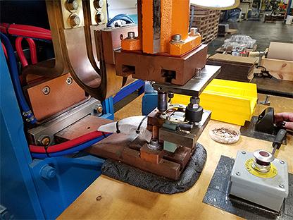 Resistance welding machine